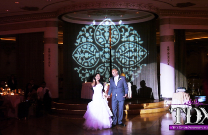 6-TDX-Persian-Gobo-with-Spotlight-on-Bride-and-Groom-during-First-Dance